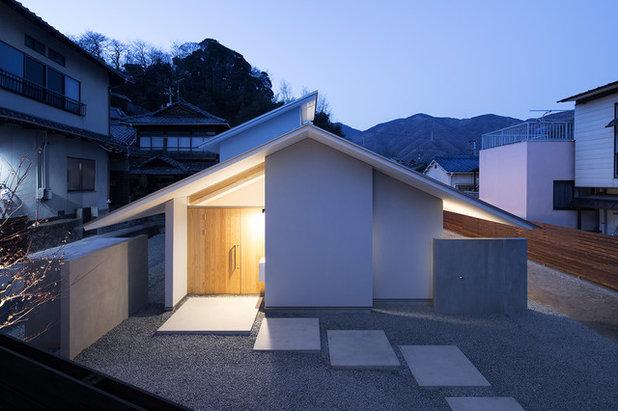 家の外観 by 花本大作建築設計事務所