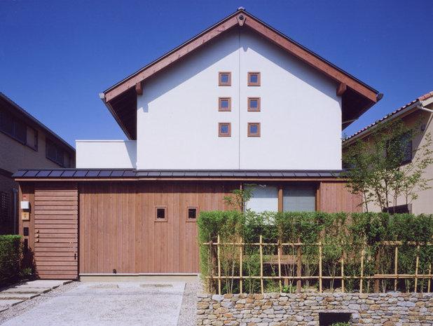 アジアン エクステリア (外観・外構) by ARK STUDIO一級建築士事務所