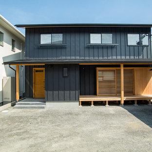 他の地域の和風のおしゃれな切妻屋根の家 (黒い外壁) の写真