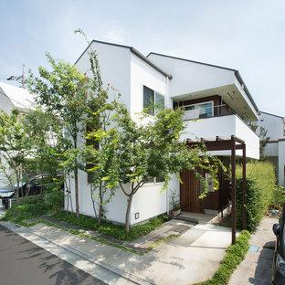 東京都下のモダンスタイルのおしゃれな家の外観の写真