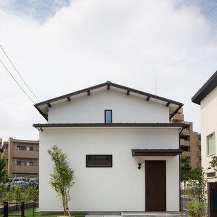 名古屋のモダンスタイルの白い家の画像 (切妻屋根)