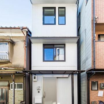 「建物間口2.88m 延床面積17坪 狭小敷地に工夫を詰め込んだ家」