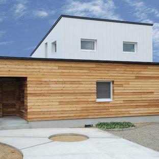 他の地域のカントリー風おしゃれな家の外観 (マルチカラーの外壁) の写真