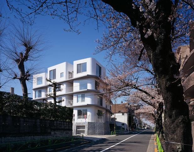 家の外観 by 若松均建築設計事務所