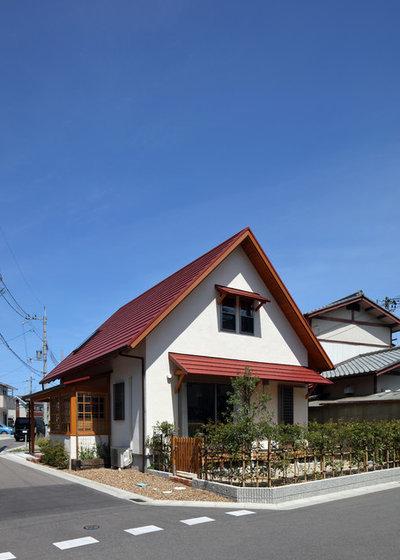 カントリー 家の外観 by 新井律子建築設計事務所
