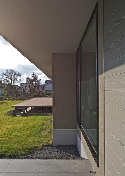 モダン エクステリア (外観・外構) by 株式会社JWA建築・都市設計 Jun Watanabe & Associates