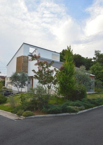 北欧 家の外観 by atelier KUKKA architects