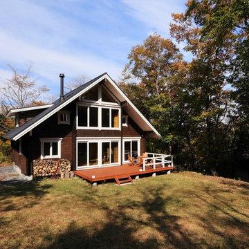 落ち着いた外観に開放感のあるインテリアが際立つ別荘ログハウス