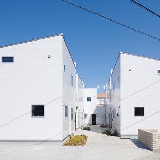 他の地域のモダンスタイルのおしゃれな家の外観 (アパート・マンション) の写真