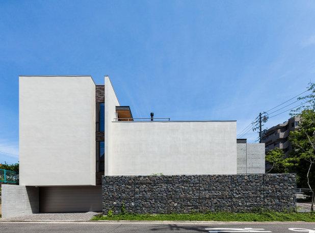 モダン 家の外観 by Architect6建築事務所