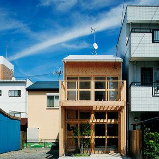 他の地域の和風のおしゃれな一戸建ての家 (木材サイディング、茶色い外壁) の写真
