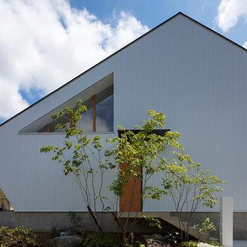 西松ヶ丘の家 空気が循環する包容力のある家 House in Nishimatsugaoka