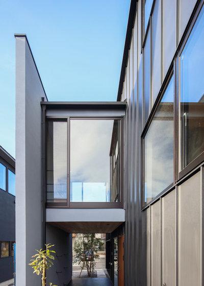 家の外観 by 株式会社desus建築設計事務所