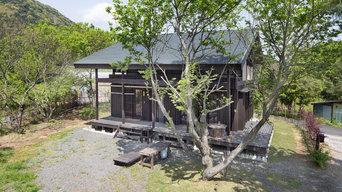 雑木林に住む家