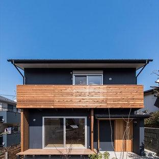 横浜の北欧スタイルのおしゃれな家の外観 (黒い外壁) の写真