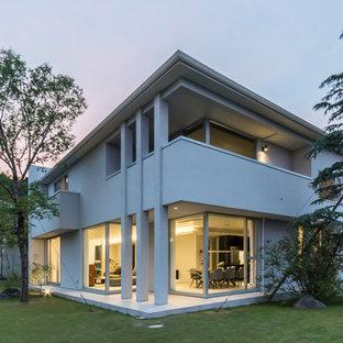 モダンスタイルのおしゃれな家の外観 (戸建、腰折れ屋根) の写真