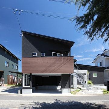 鬼無の家(ガレージハウス)