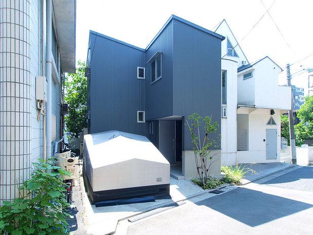 ミッドセンチュリー 家の外観 by 志田茂建築設計事務所
