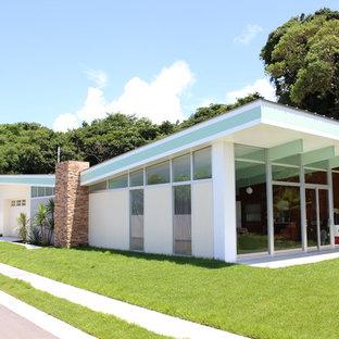 他の地域のコンテンポラリースタイルのおしゃれな家の外観の写真