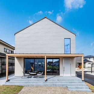 福岡の北欧スタイルのおしゃれな切妻屋根の家の写真