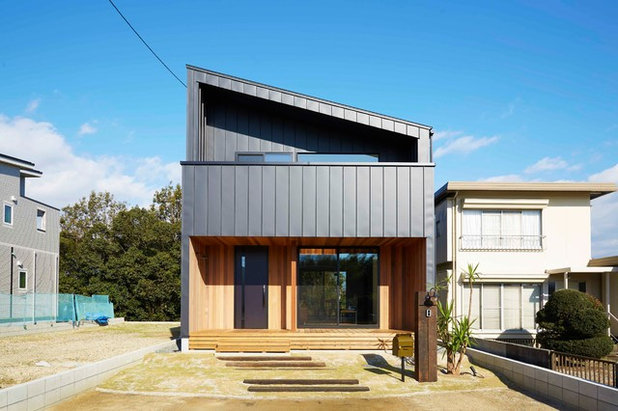 Contemporary Exterior by CURIOUS design workers 一級建築士事務所