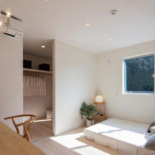 他の地域のインダストリアルスタイルのおしゃれな寝室のレイアウト