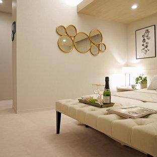 名古屋のモダンスタイルのおしゃれな寝室 (白い壁、白い床) のインテリア