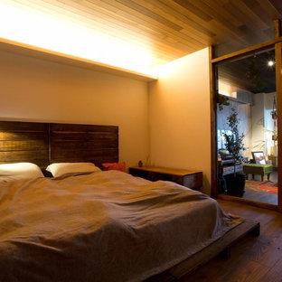 他の地域のインダストリアルスタイルの寝室の画像
