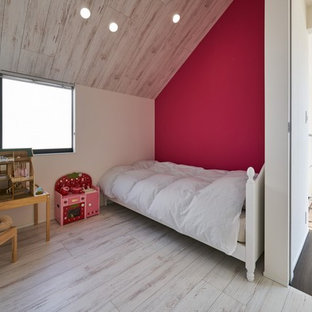 東京23区のモダンスタイルのおしゃれな寝室 (ピンクの壁、塗装フローリング、グレーの床) のレイアウト