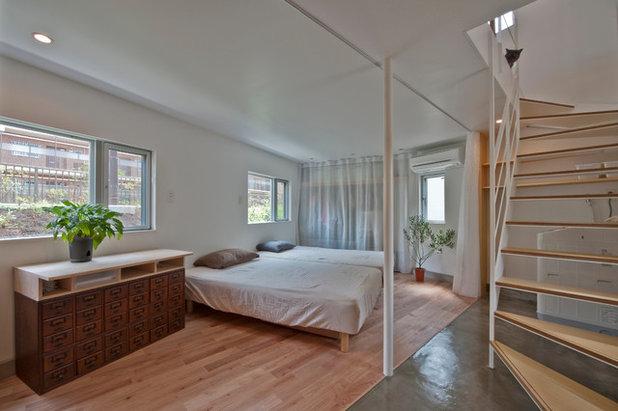 Moderno Dormitorio by 一級建築士事務所 水石浩太建築設計室