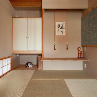 Inspiration för ett litet orientaliskt gästrum, med beige väggar, tatamigolv och beiget golv