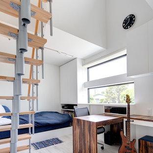 東京23区のモダンスタイルのおしゃれな寝室 (白い壁、塗装フローリング、グレーの床) のインテリア