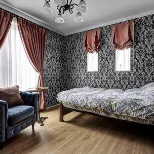 他の地域のヴィクトリアン調のおしゃれな寝室のレイアウト