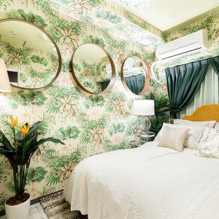 大阪のアジアンスタイルのおしゃれな寝室 (緑の壁、塗装フローリング、グレーの床) のレイアウト