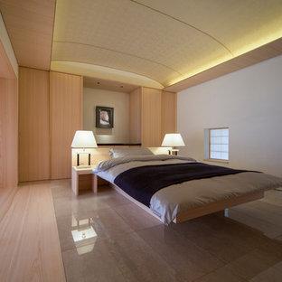 他の地域のアジアンスタイルのおしゃれな寝室 (ベージュの壁) のインテリア