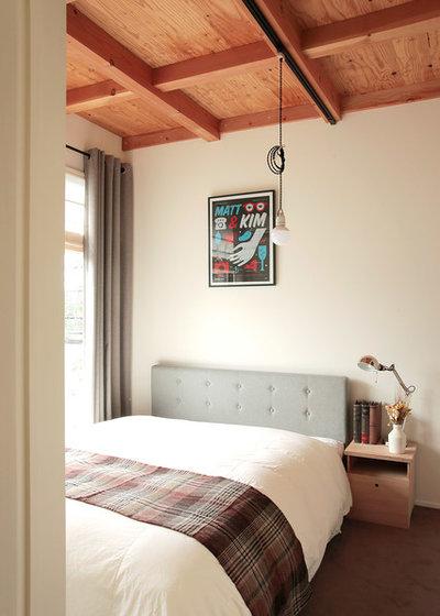トラディショナル 寝室 by こぢこぢ一級建築士事務所