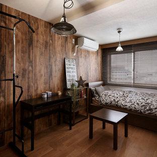 東京都下のインダストリアルスタイルの寝室の画像 (無垢フローリング)