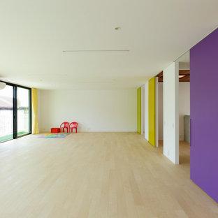 Modelo de dormitorio moderno con suelo de contrachapado