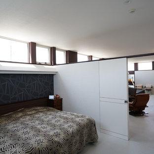 札幌の小さいモダンスタイルのおしゃれな寝室 (白い壁、白い床) のインテリア