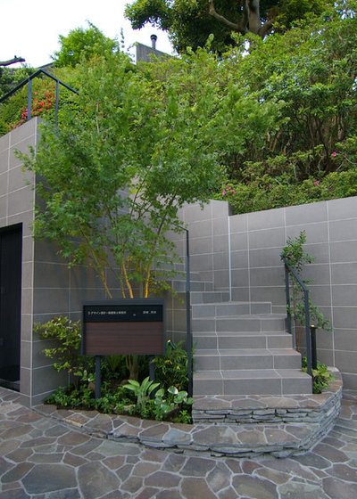 ミッドセンチュリー 庭 by Sデザイン設計一級建築士事務所