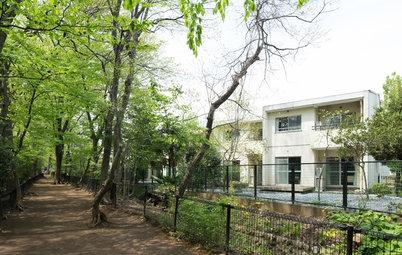 Houzzツアー:緑豊かな環境にとけこんだインターナショナルなシェアハウス
