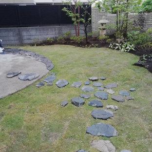 東京23区の和風のおしゃれな庭 (天然石敷き) の写真