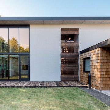 二枚屋根の家