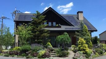 北欧の山小屋を取り巻く庭園