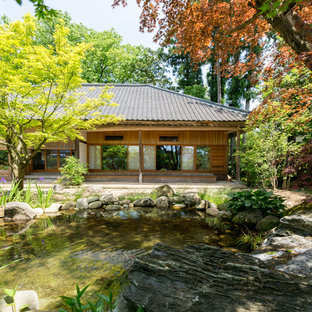 他の地域の秋のアジアンスタイルのおしゃれな裏庭の写真
