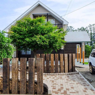 他の地域のトラディショナルスタイルのおしゃれな前庭の写真