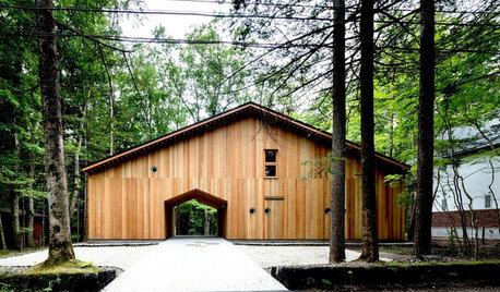 旧軽井沢の森に抱かれて、母と子供たち家族が週末を過ごすための別荘