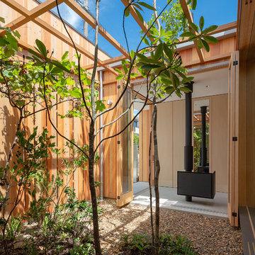 明石の家 3つの中庭に寄り添う平屋