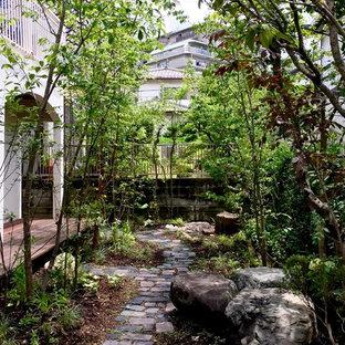大阪の和風のおしゃれな前庭 (私道、半日向、天然石敷き) の写真