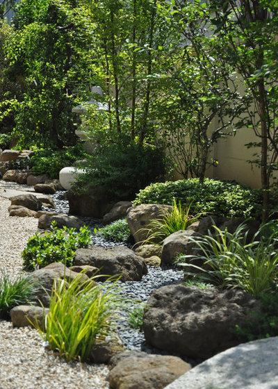 Asiático Jardín by 造園・庭造り専門店【新美園】
